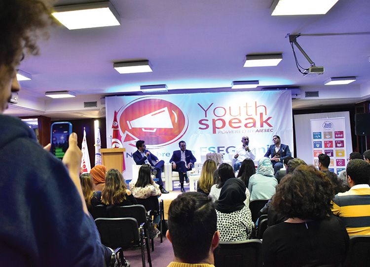 MEDIANET présente à l'événement ''Youth Speak Forum''