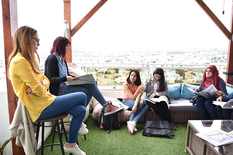 Visite des étudiants de l'Ecole Supérieure de Commerce de Tunis
